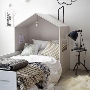 tête de lit enfant maison