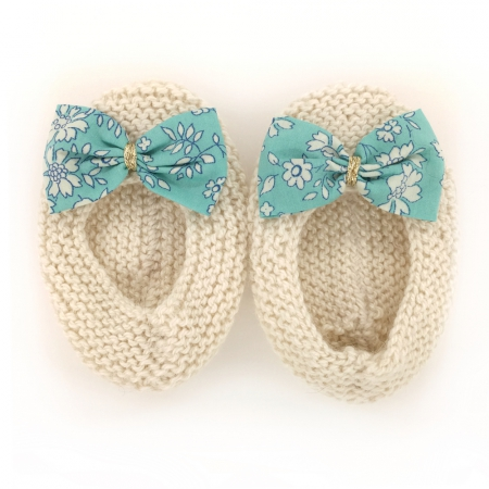 chaussons-ballerines-royal-baby-ecru-noeud-tissu-liberty-turquoise